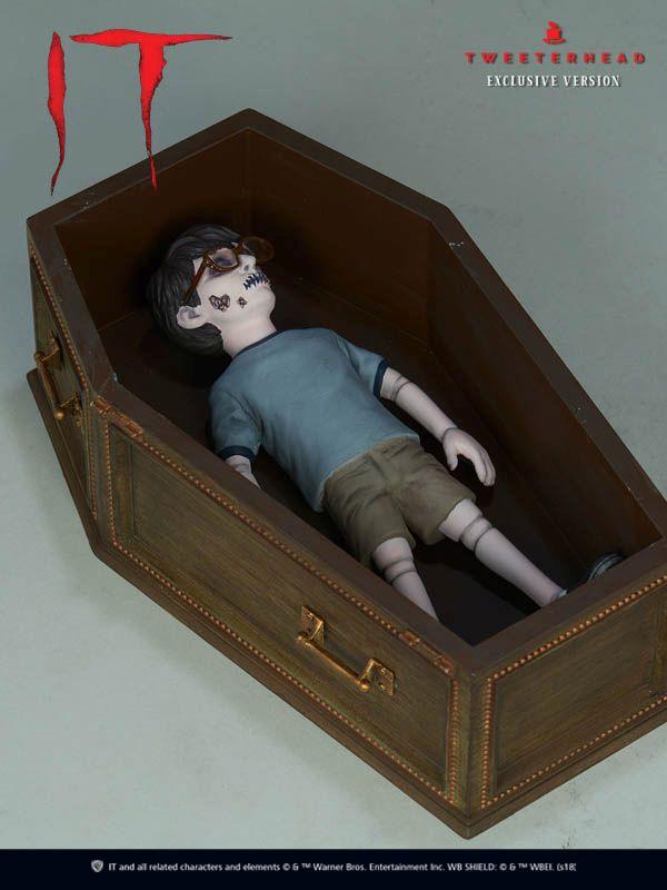 Tweeterhead Stephenking Pennywise Figurine 02