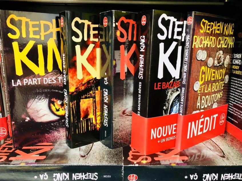 Nouvelles Couvertures Pour Les Livres De Stephen King Chez