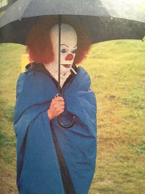Pennywise 1990 Timcurry Chilling 2