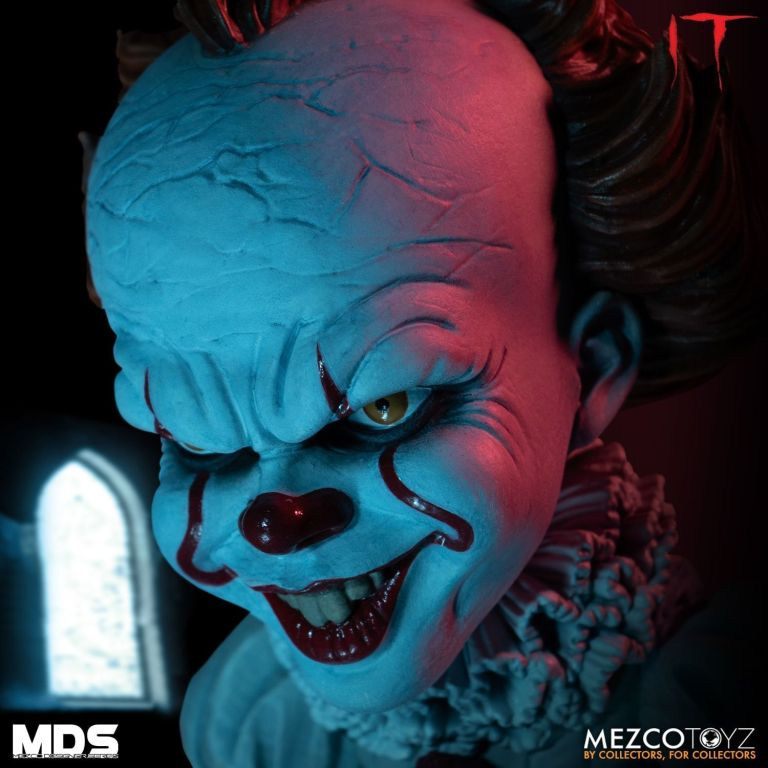 Mezco Pennywise Alternate Head 02