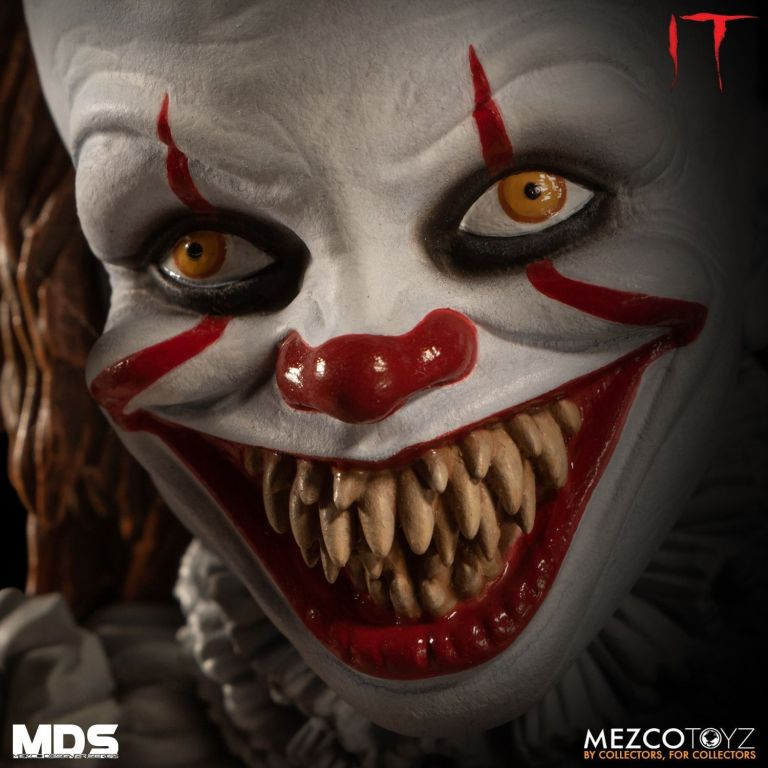Mezco Pennywise Alternate Head 05