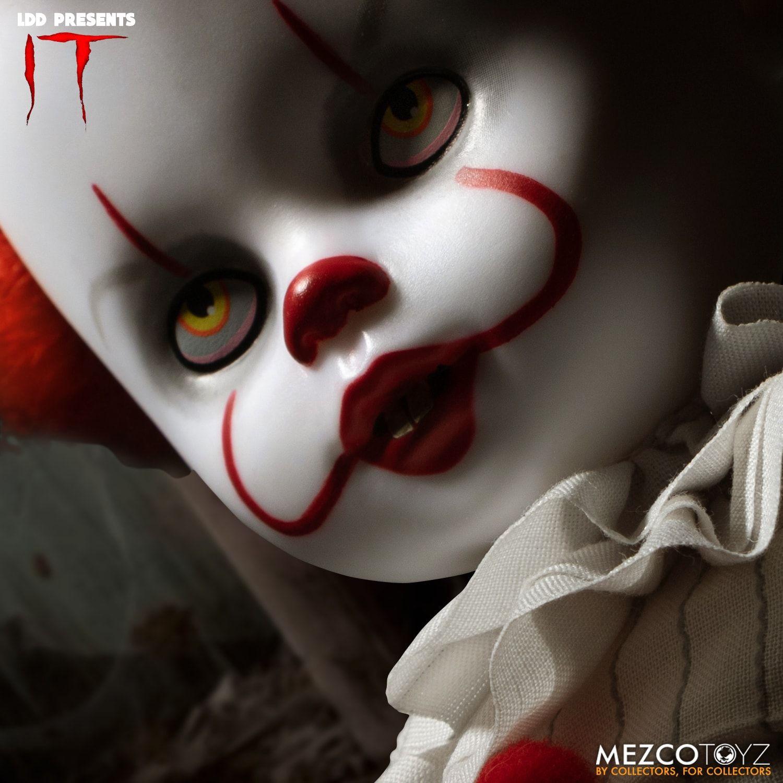 Mezco 04