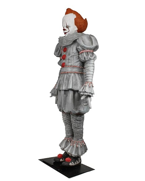 Neca Pennywise Mousse Taille Reelle 02