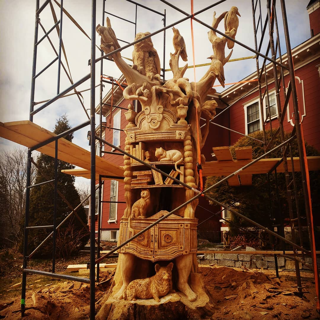 Stephenking Tabithaking Sculpture Maison 02