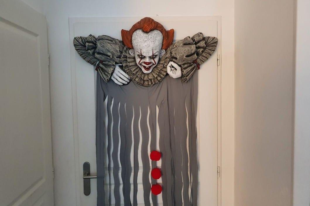 Pennywise Door Topper Decor Porte2